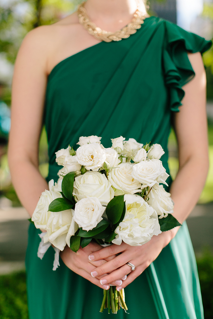 emerald and white bridesmaid bouquet | Jamie Delaine Photography | Glamour & Grace