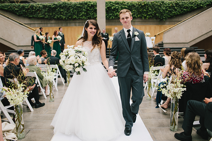 chic emerald wedding | Jamie Delaine Photography | Glamour & Grace