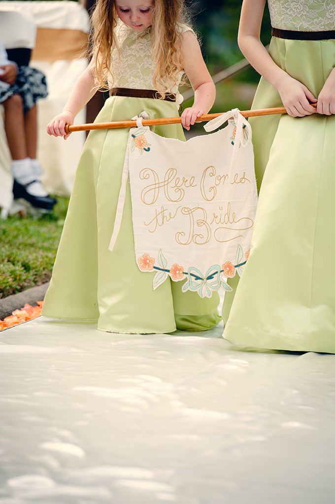 here comes the bride signage | Mark Eric Weddings | Glamour & Grace