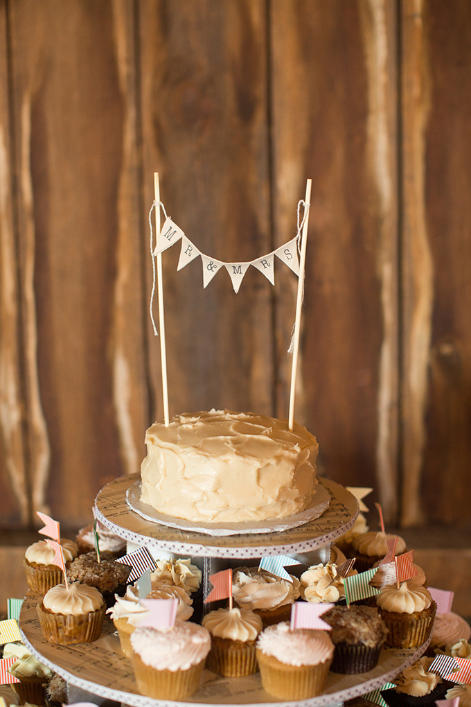 rustic cake   Two Maries   Glamour & Grace