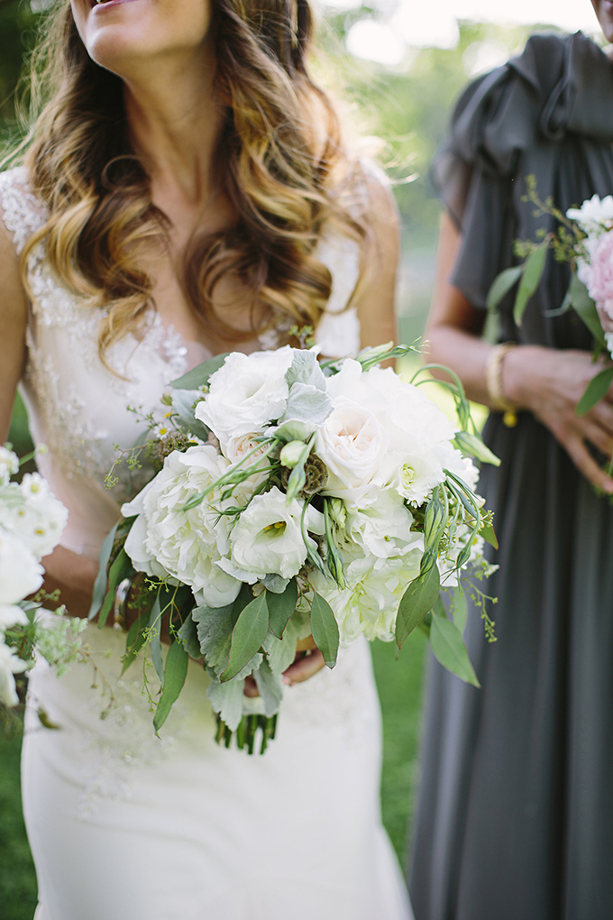 lush white bouquet | Brooke Courtney Photography | Glamour & Grace