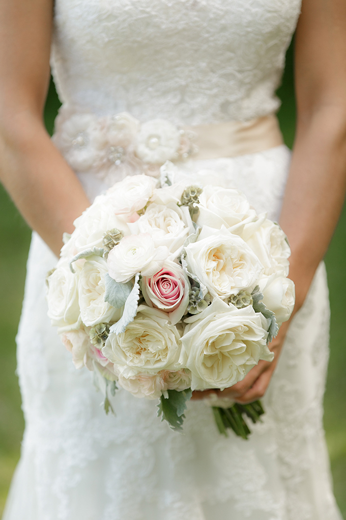 white rose bouquet | Bumby Photography | see more on Glamour & Grace