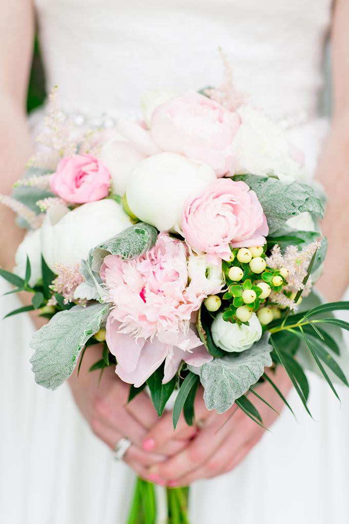 blush bouquet | Cassandra Photo | Glamour & Grace