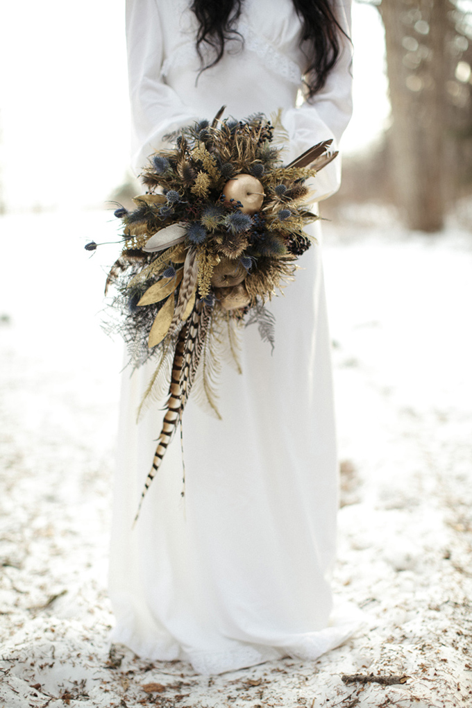 winter feather bouquet | Michelle Larmand Photography | Glamour & Grace