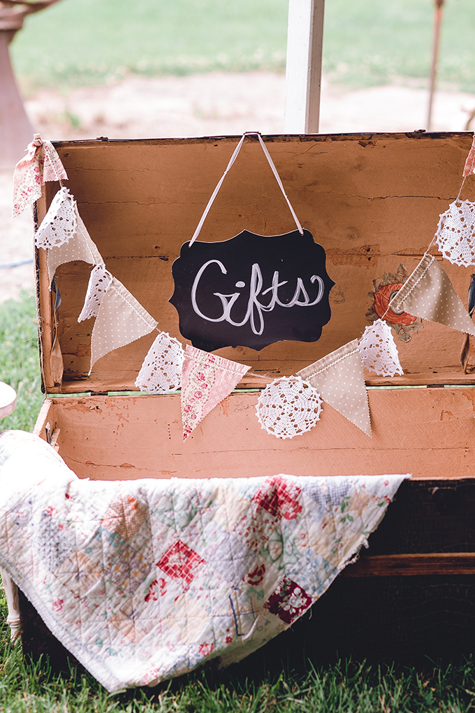 vintage chest for gifts | sharon elizabeth photography | Glamour & Grace