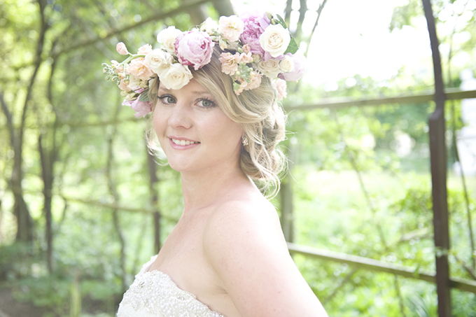southern garden bridal portraits | Casey Rose Photography | Glamour & Grace