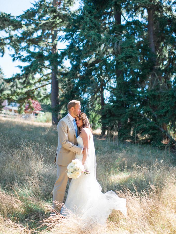 vintage farm wedding   Blue Rose Photography   Glamour & Grace