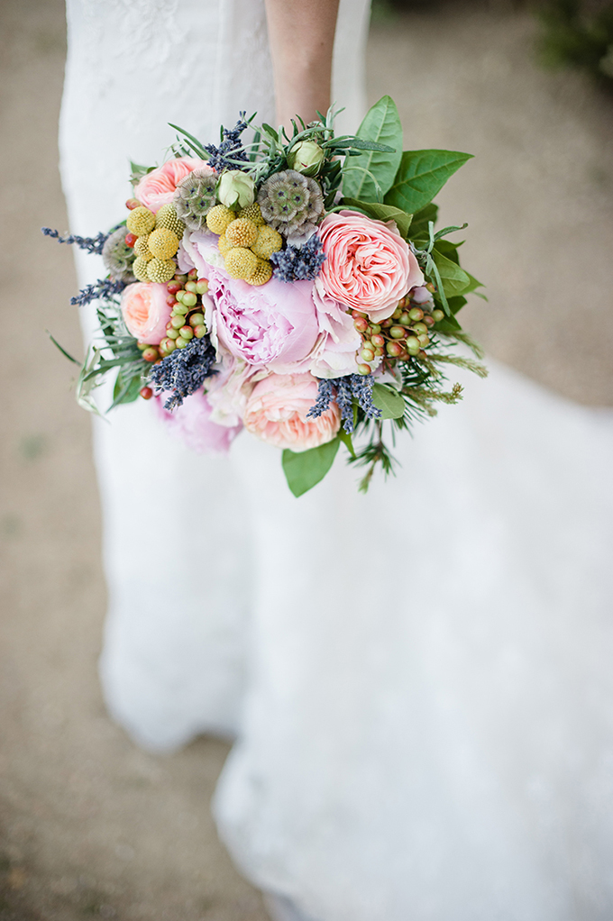 colorful bouquet | Meredith Lord | Glamour & Grace
