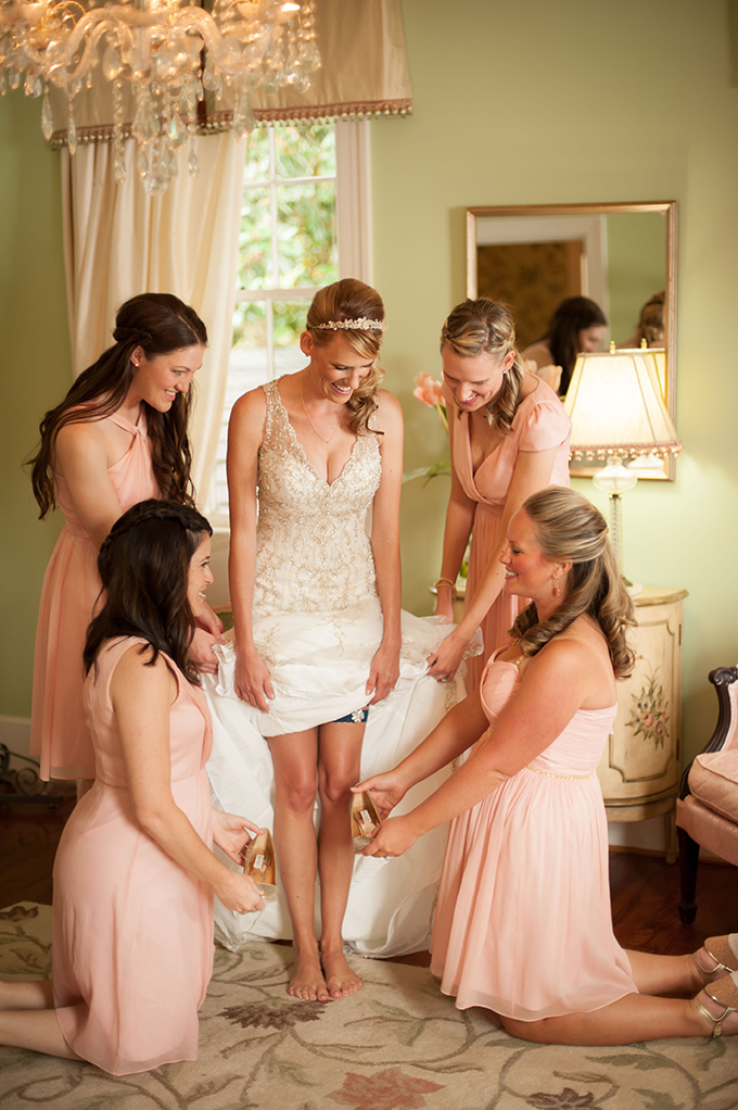 bride getting ready | Stephanie A Smith Photography | Glamour & Grace