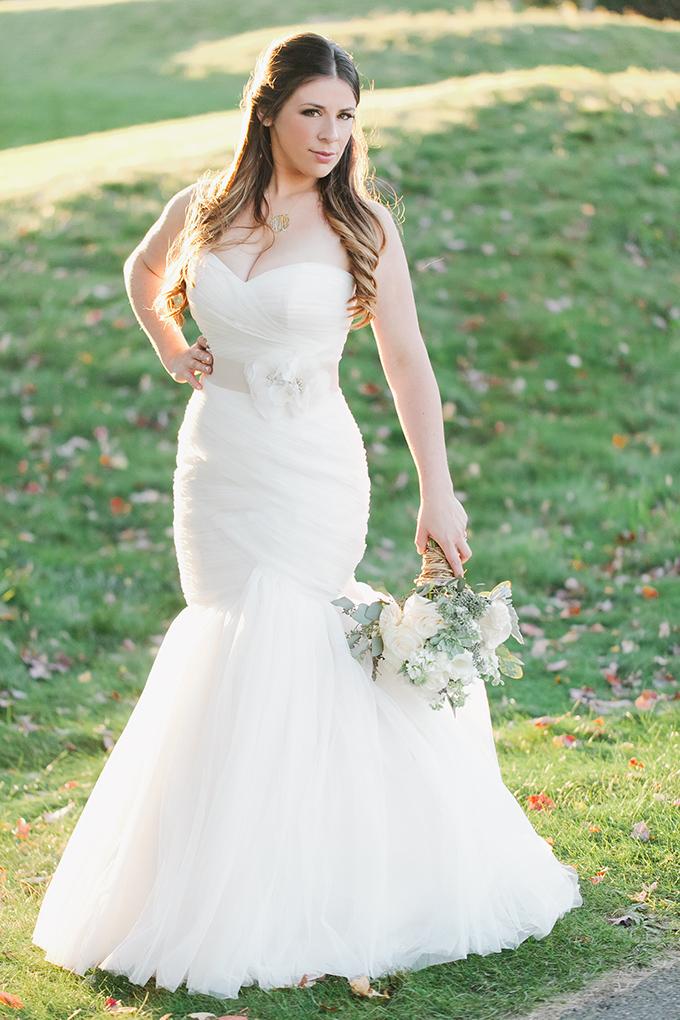 romantic barn wedding   Jessica Connery Photography   Glamour & Grace