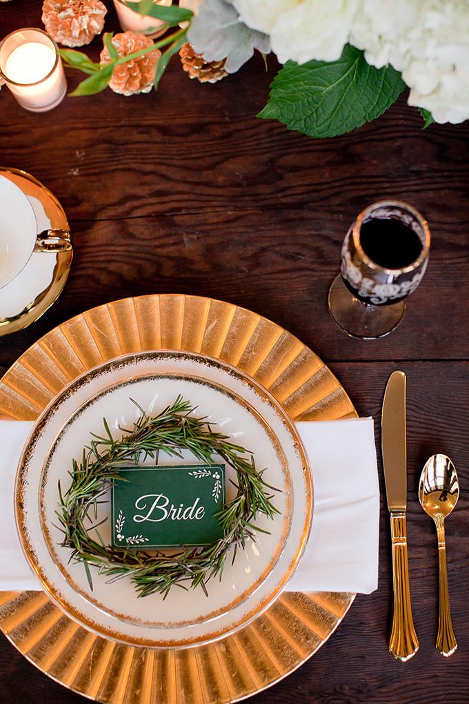 green and gold place setting | Jamie Zanotti Photography | Glamour & Grace