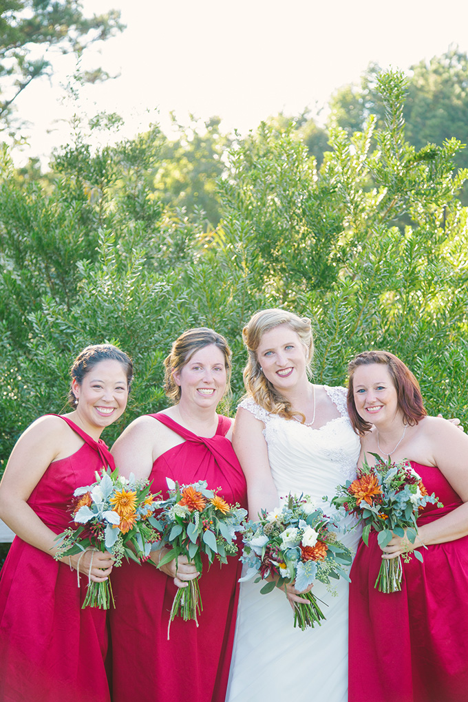 red bridesmaids | Taylor Rae Photography | Glamour & Grace