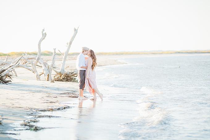 romantic beach engagement | K A T S P H O T O S | Glamour & Grace