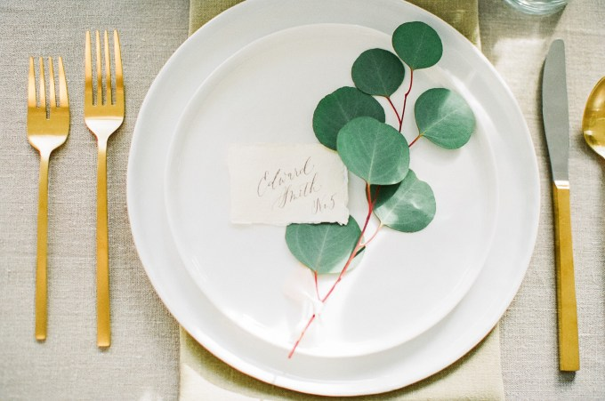 romantic place setting | hay alexandra photography | Glamour & Grace