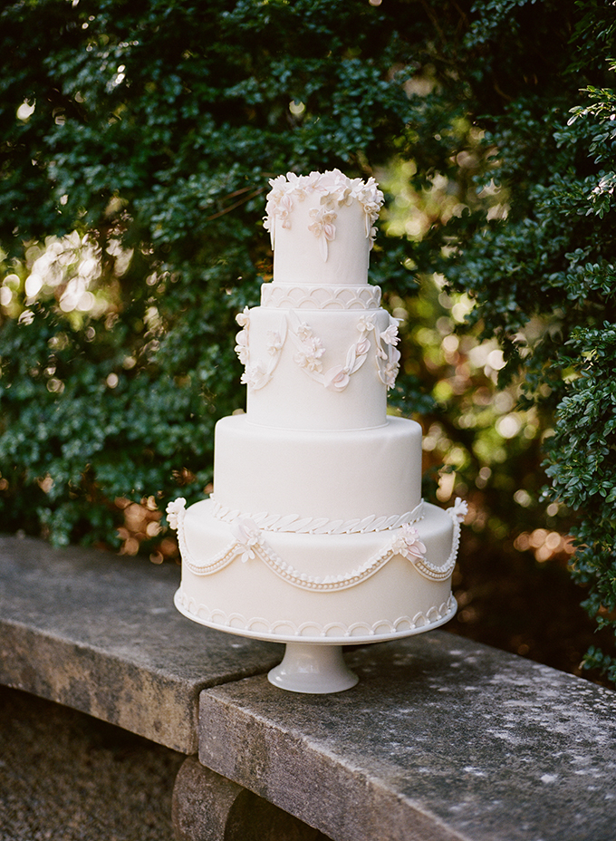 romantic cake | Archetype | Glamour & Grace