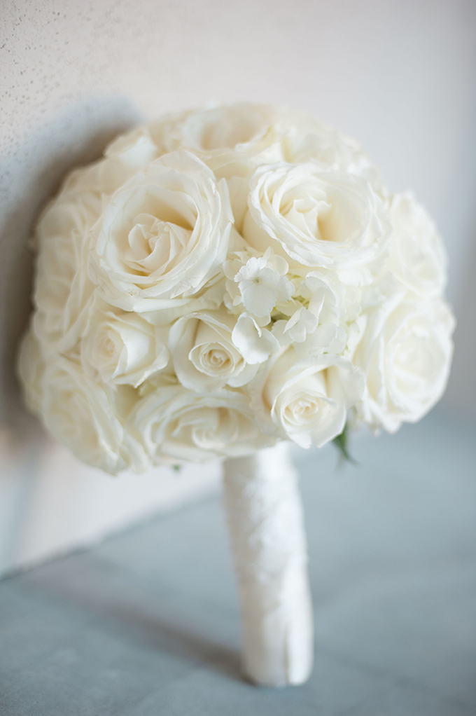 classic white bouquet | Stephanie A Smith Photography | Glamour & Grace