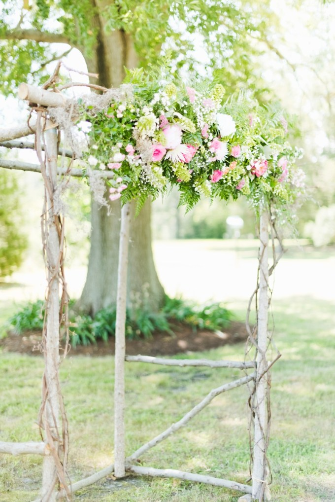 ceremony arch | Kate Supa Photography  | Glamour & Grace