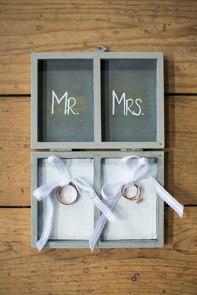 Mr and Mrs ring box | Kaysha Weiner Photographer | Glamour & Grace