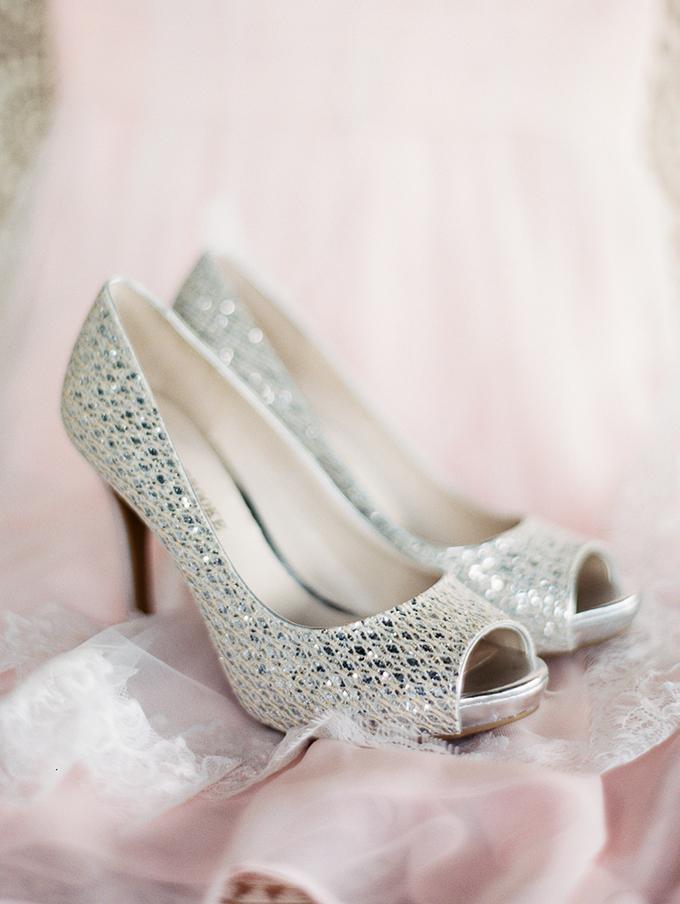 silver heels | Rachel Solomon Photography | Glamour & Grace