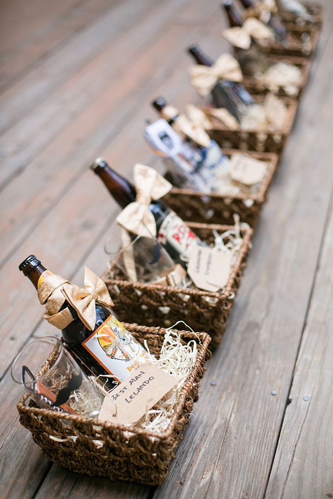 groomsmen gifts | Anna Marks Photography | Glamour & Grace