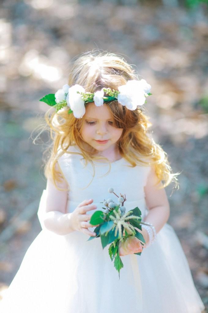 cute flower girl | Binaryflips Photography | Glamour & Grace