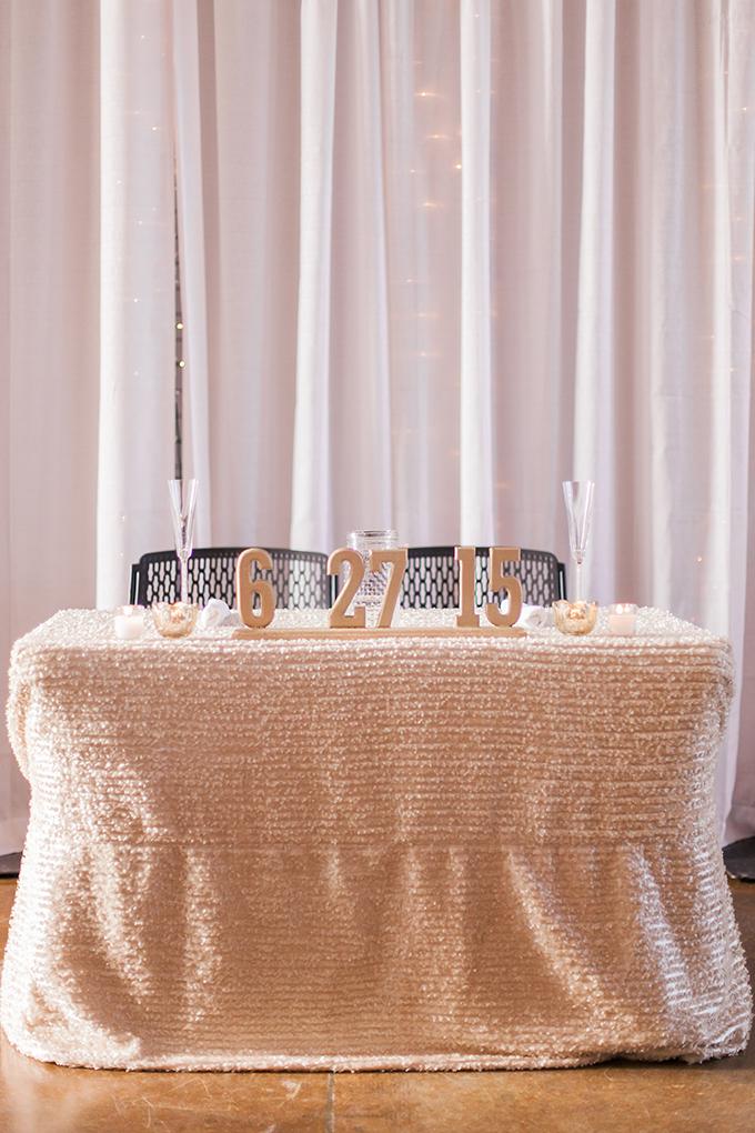 gold sweetheart table | Sara Lynn Photographic | Glamour & Grace
