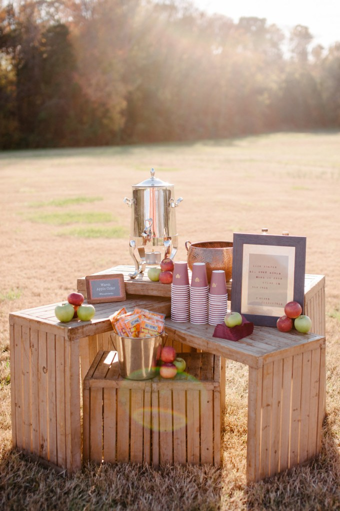 apple cider station | Sera Petra Photography | Glamour & Grace