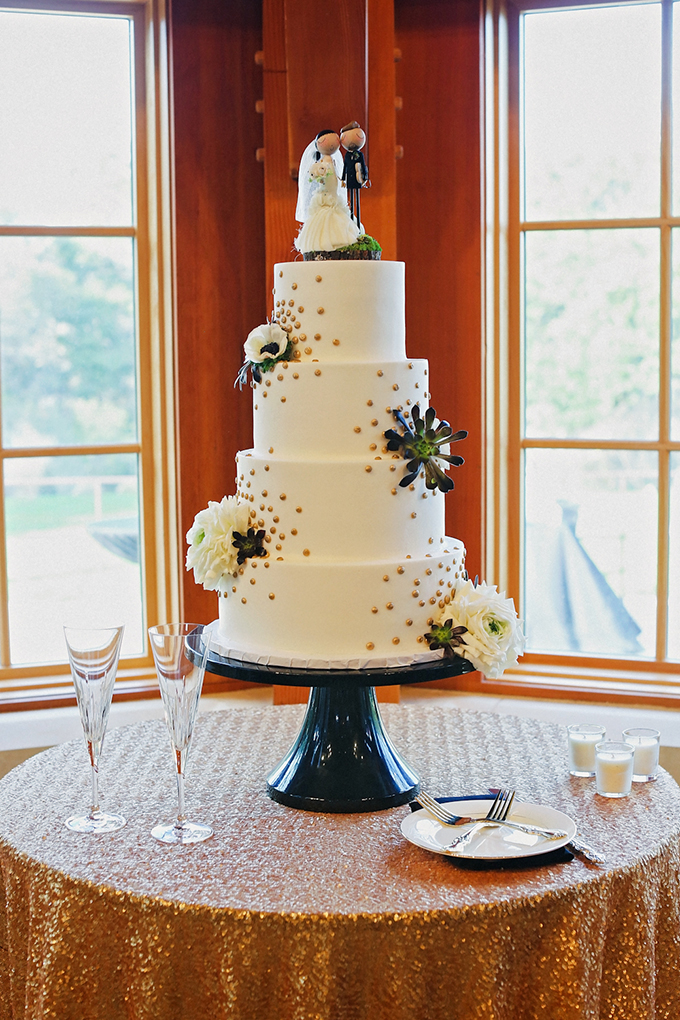 white and gold cake | Christina Carroll Photography | Glamour & Grace