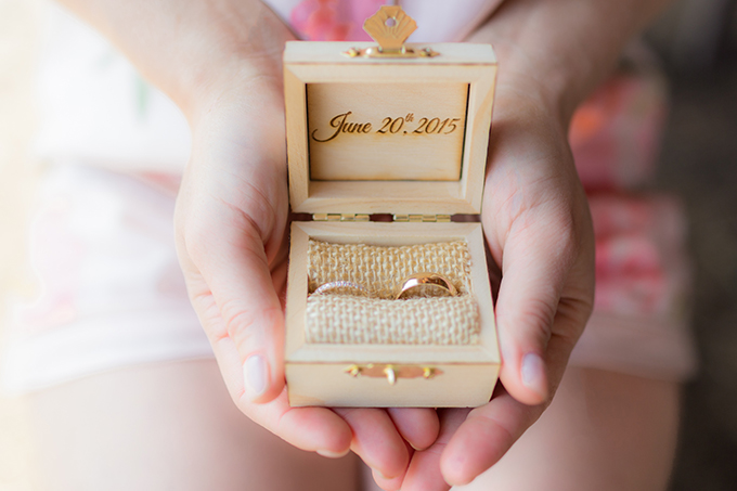 ring box | Mathew Irving Photography | Glamour & Grace