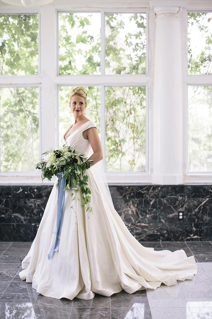 romantic manor wedding inspiration   Kate Preftakes Photography   Glamour & Grace