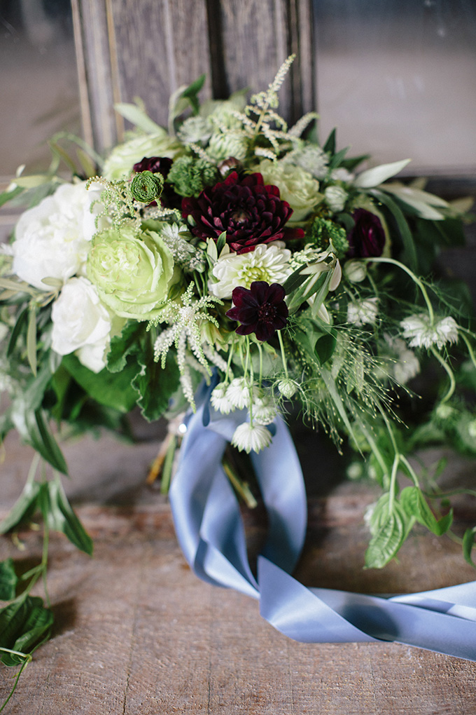 romantic green and red bouquet | Kate Preftakes Photography | Glamour & Grace