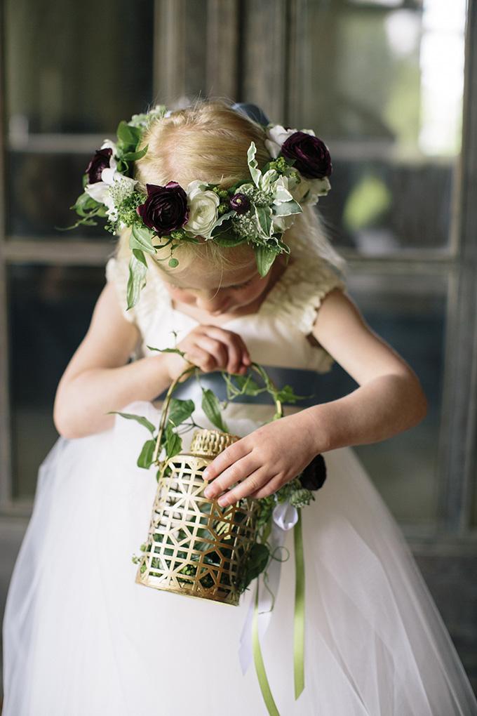 flower girl | Kate Preftakes Photography | Glamour & Grace