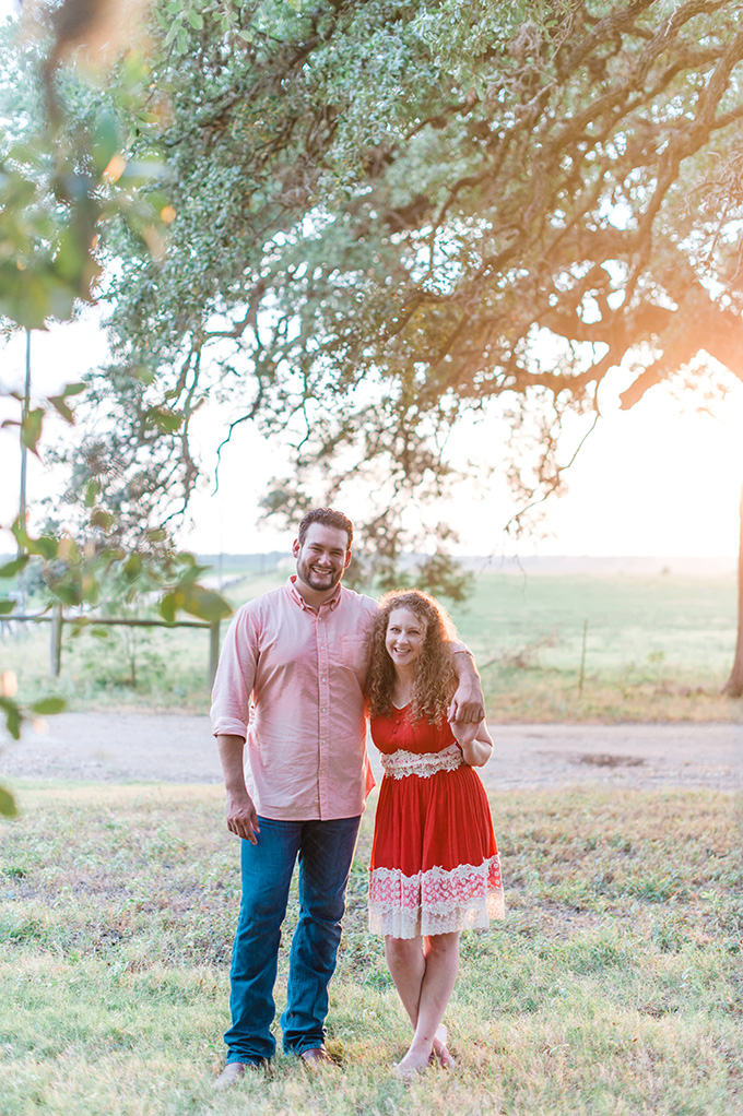 rustic Texas engagement   jen brazeal photography   Glamour & Grace