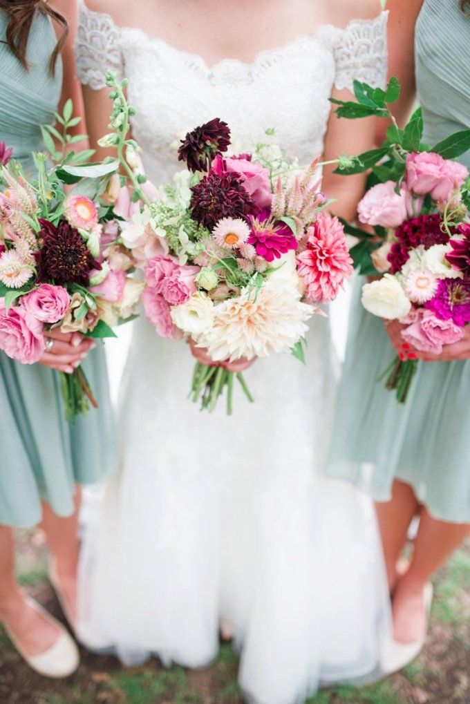 purple bouquets | Alison Dunn Photography | Glamour & Grace