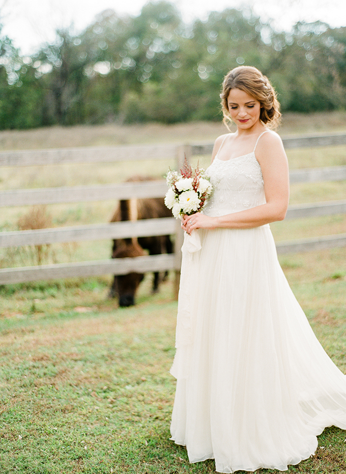 romantic ranch bridal portraits | Deisy Photography | Glamour & Grace