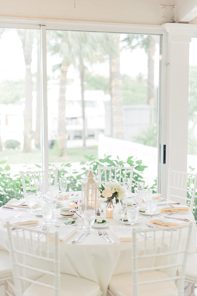 neutral seaside wedding | Jessica Bordner Photography | Glamour & Grace