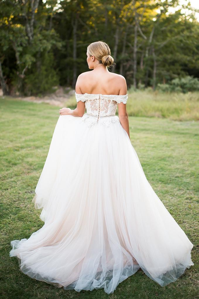 romantic bridal portraits   Andrea Elizabeth Photography   Glamour & Grace