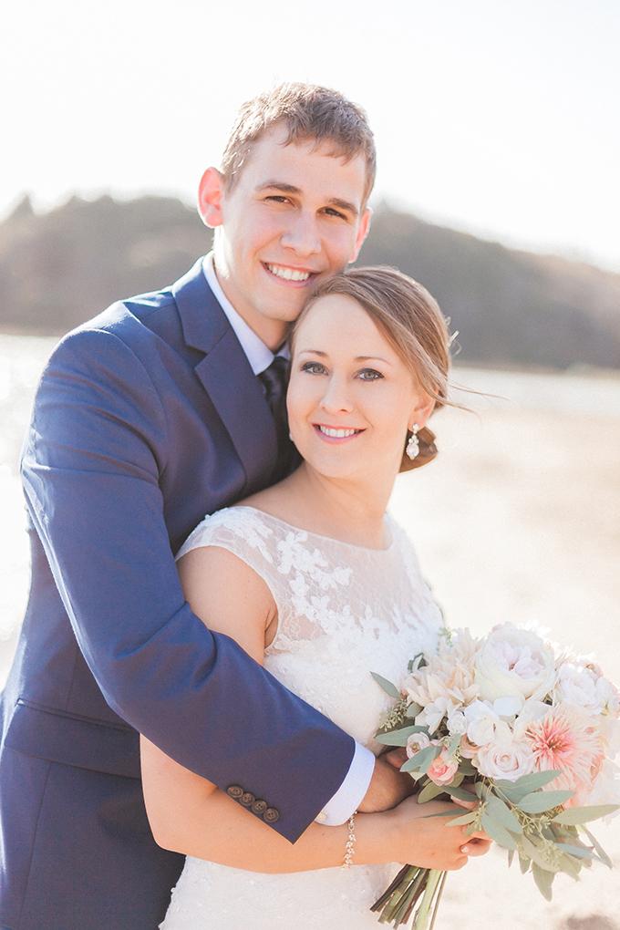 blush and navy wedding | Sara Lynn Photographic | Glamour & Grace