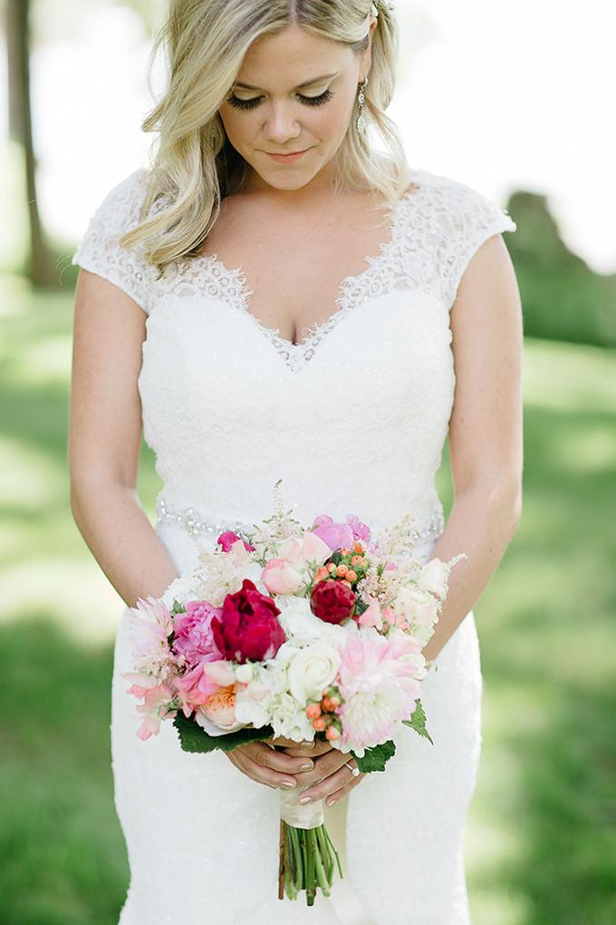 pink bouquet | Dan Stewart Photography | Glamour & Grace
