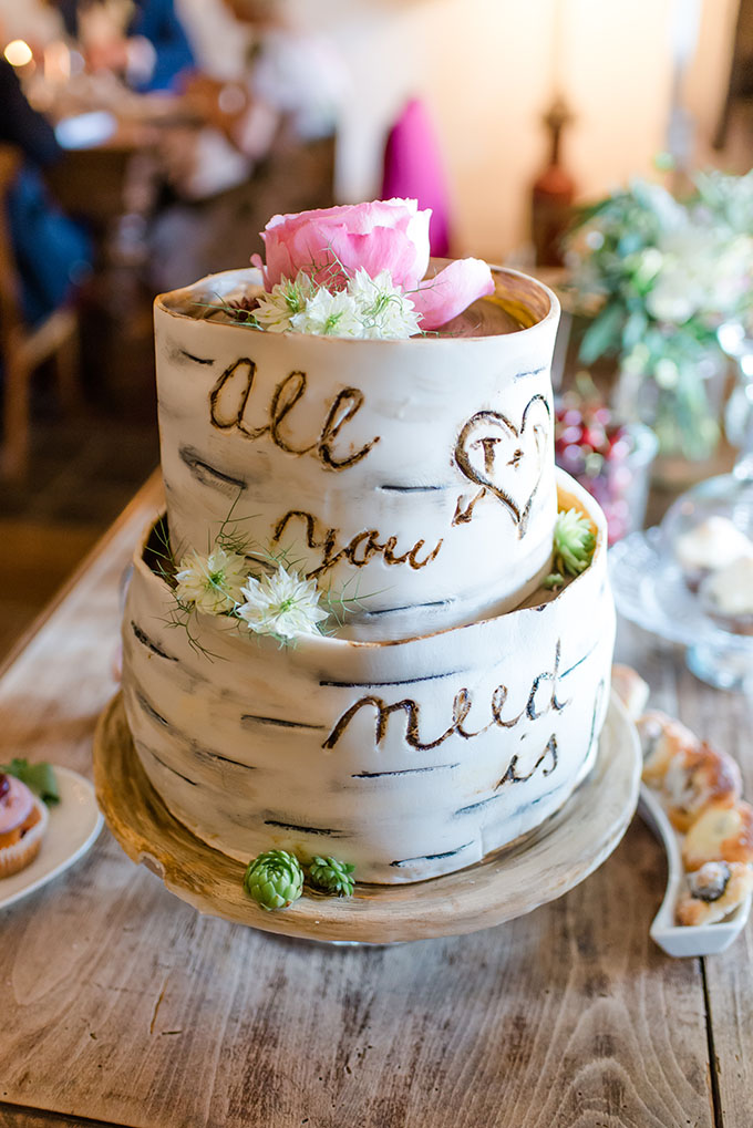all you need is love cake | Baru La Photo | Glamour & Grace