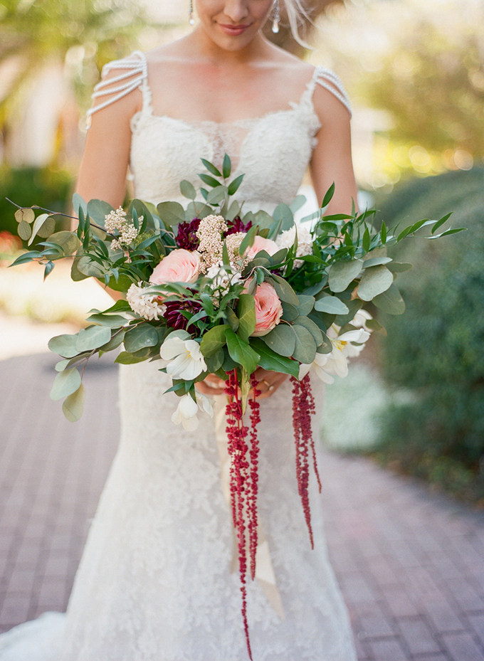 romantic bouquet | Emily Katharine Photography | Glamour & Grace