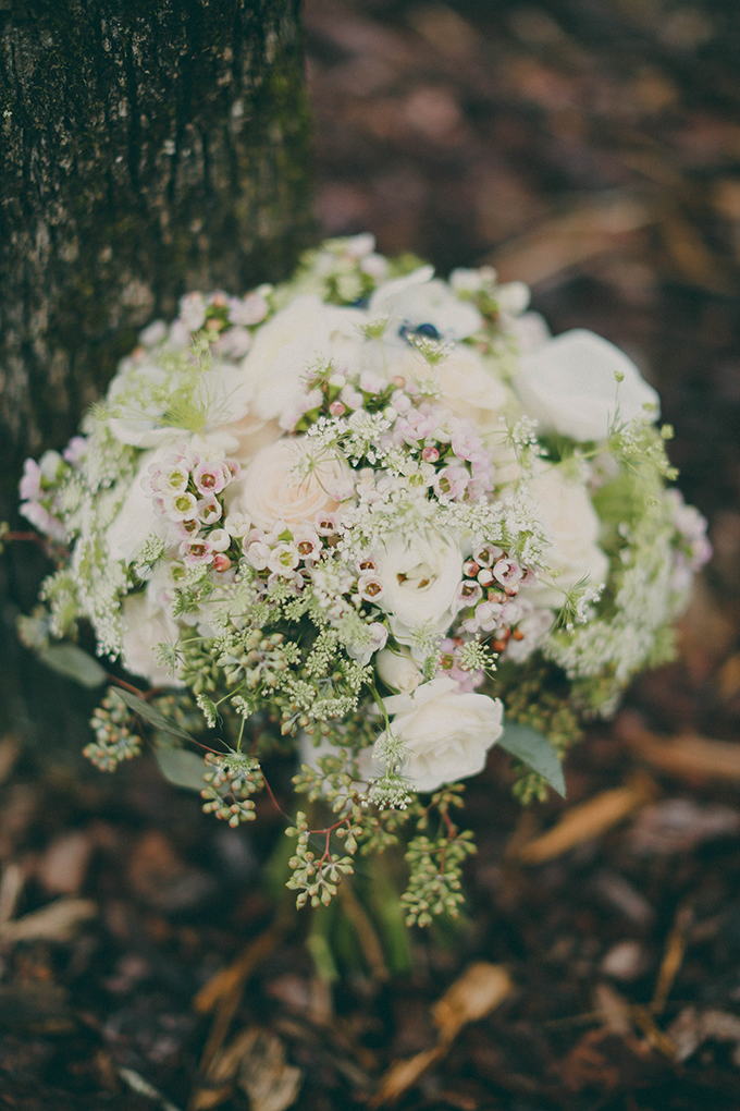 romantic white and green bouquet | j.woodbery photography | Glamour & Grace
