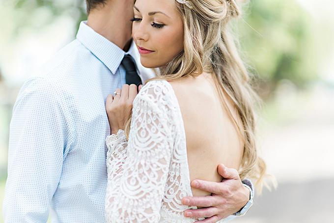 intimate lodge wedding | Candace Berry Photography | Glamour & Grace