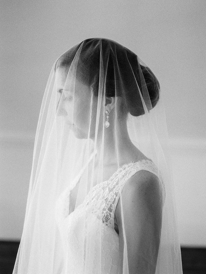 modern heirloom bridal portraits | Live View Studios | Glamour & Grace