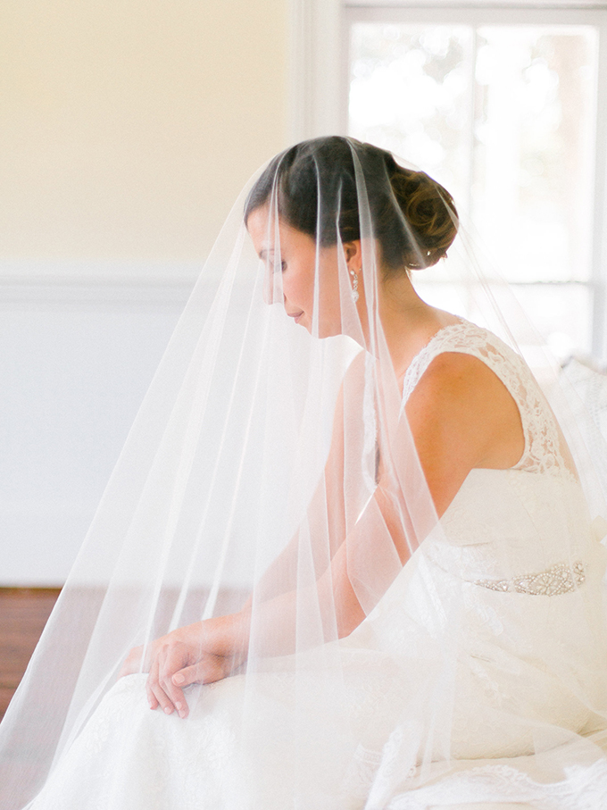modern heirloom bridal portraits | Live View Studios | Glamour & Grace