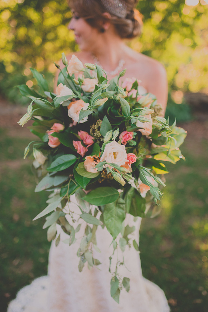 peach and greenery bouquet | Hourglass Imaging | Glamour & Grace
