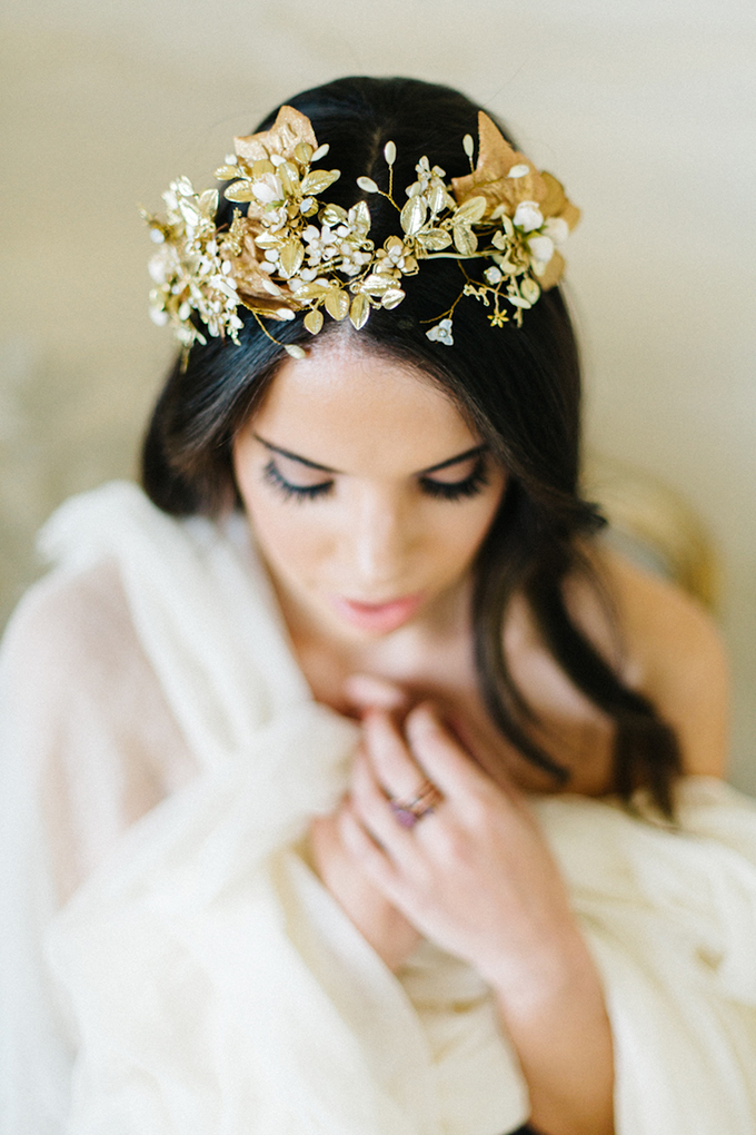 golden leaf bridal headpiece | Emily Sacco Photography | Glamour & Grace