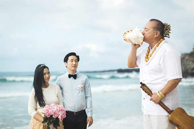 sweet and romantic Hawaii elopement | Angie Diaz Photography | Glamour & Grace