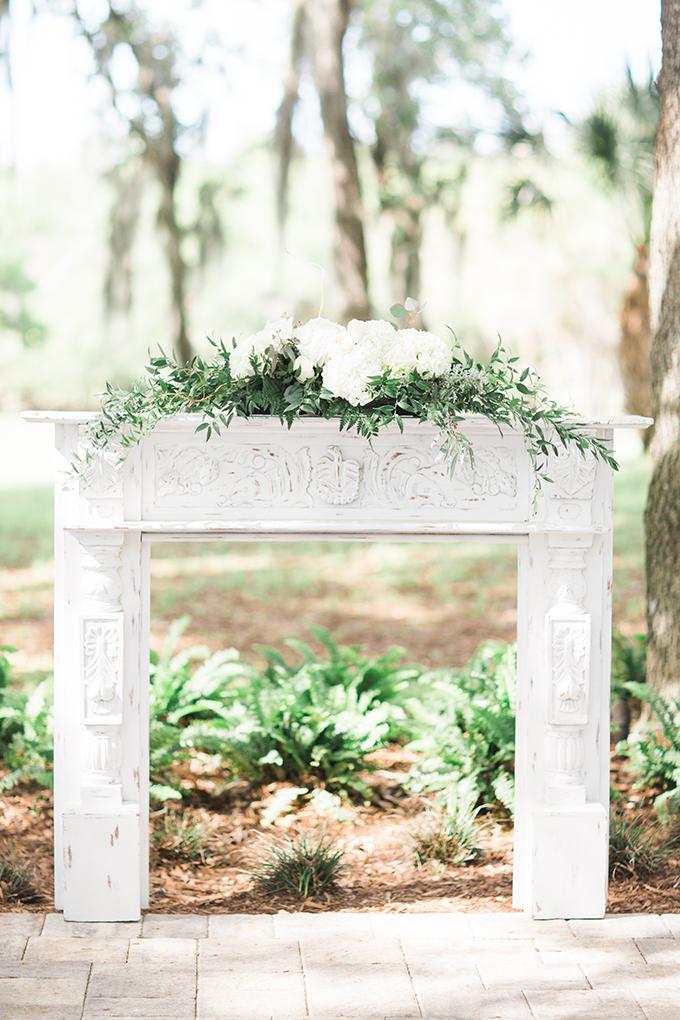 fireplace mantle ceremony altar | Harmony Lynn Photography | Glamour & Grace