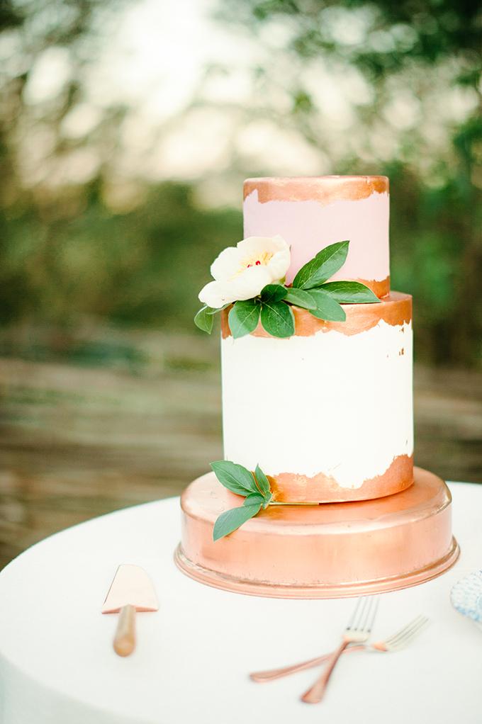 copper cake | April Bennett Photography | Glamour & Grace
